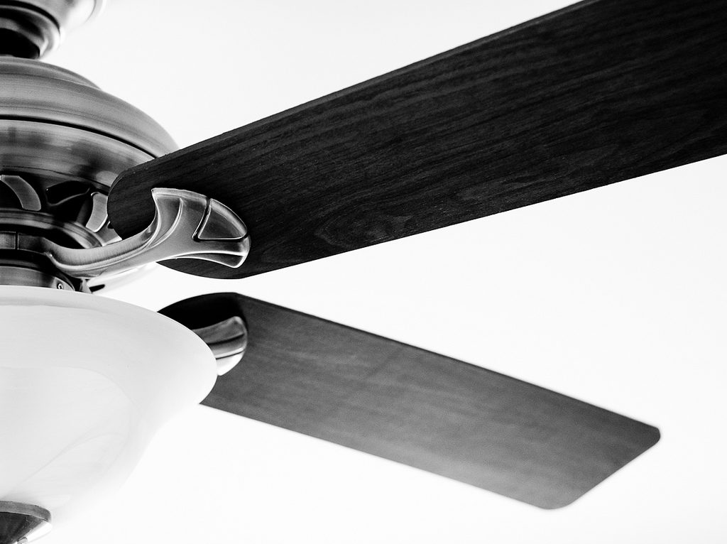 Adjust your fan in the winter